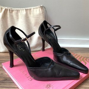 Gucci black leather heels. Excellent condition